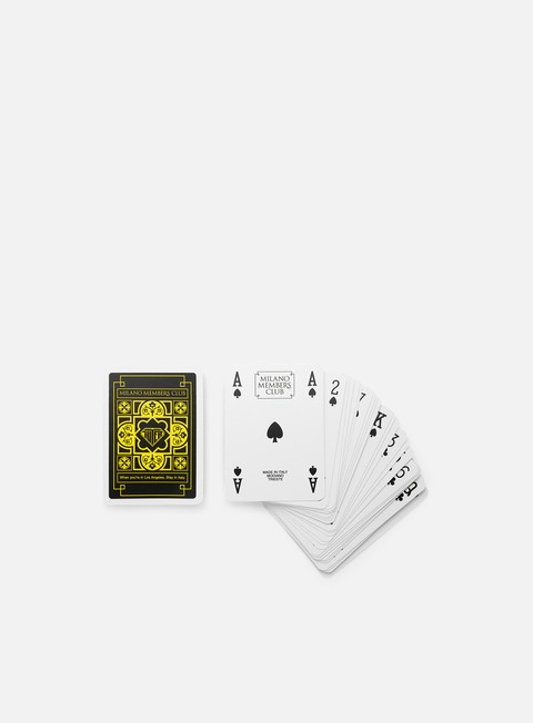 Various Accessories Iuter Members Play Cards