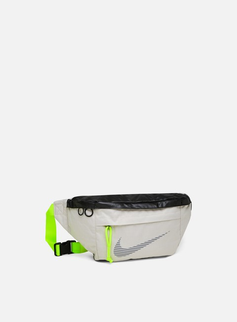 Outlet e Saldi Marsupi Nike NSW Tech Winterized Hip Pack