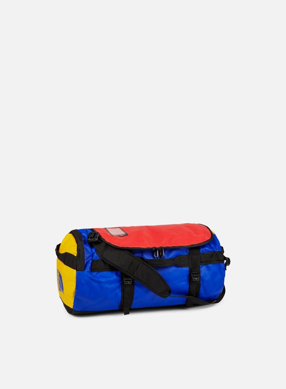THE NORTH FACE Base Camp Duffel Medium € 95 Travel Bags  ce5b9785a30d