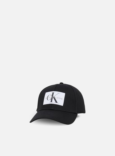 Outlet e Saldi Cappellini Visiera Curva Calvin Klein Jeans Monogram Baseball Cap