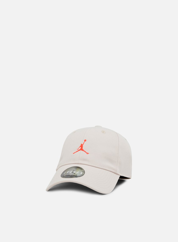 4176a53fba0be7 JORDAN Floppy H86 Strapback Cap € 18 Curved Brim Caps