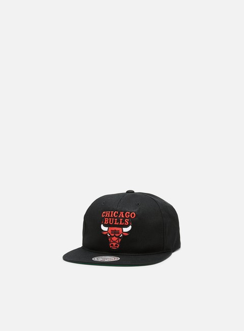 Outlet e Saldi Cappellini Snapback Mitchell & Ness Team Logo Deadstock Throwback Snapback Chicago Bulls