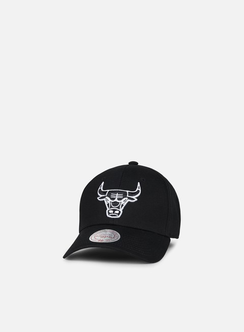 cappellini mitchell e ness team logo low pro strapback chicago bulls black
