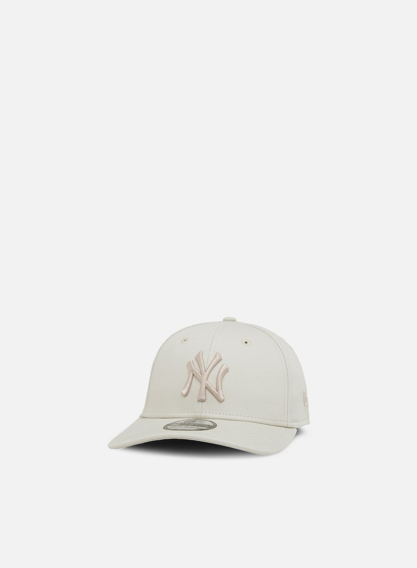 ca1ee070 NEW ERA League Essential 39Thirty NY Yankees € 13 Curved Brim Caps ...