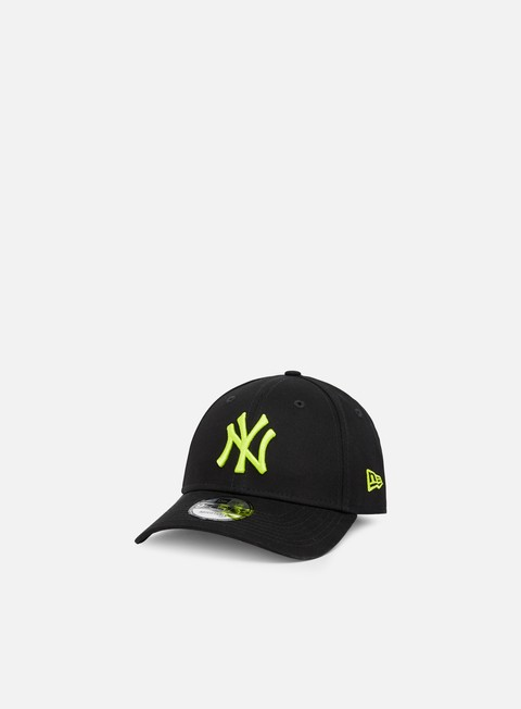 Curved Brim Caps New Era League Essential 9Forty NY Yankees
