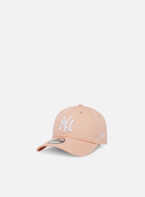 newest 3e353 3141f Curved Brim Caps New Era League Essential 9Forty Snapback NY Yankees