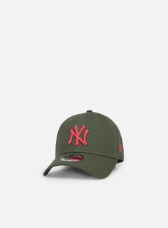 New Era - League Essential 9Forty Strapback NY Yankees, Olive Gree/Laser Pink 1
