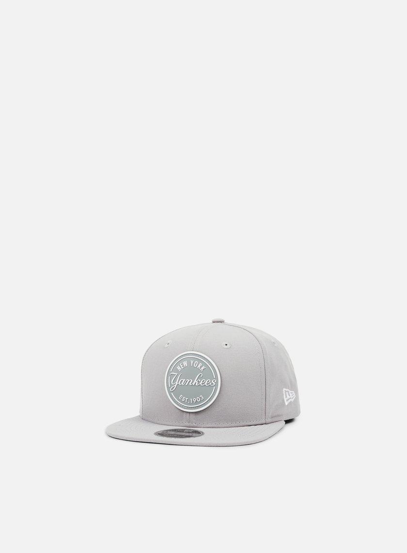 New Era - Rubber Emblem Snapback NY Yankees, Grey
