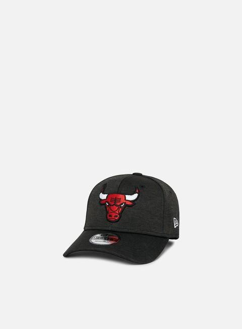 Outlet e Saldi Cappellini Visiera Curva New Era Shadow Tech 9Forty 2 Strapback Chicago Bulls