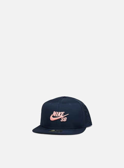 Outlet e Saldi Cappellini Trucker Nike SB Aero Hat Trucker Snapback