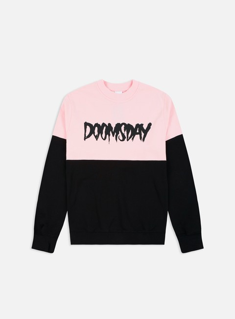 felpe doomsday logo 2 tone crewneck black soft pink soft brushed