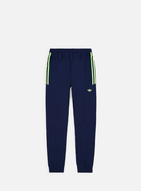 Sweatpants Adidas Originals Flamestrike Track Pant
