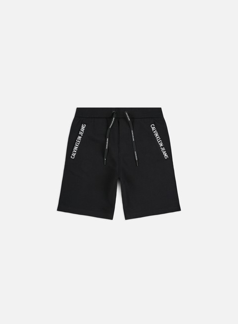 Outlet e Saldi Pantaloncini Calvin Klein Jeans HWK Insititutional Cuff Shorts