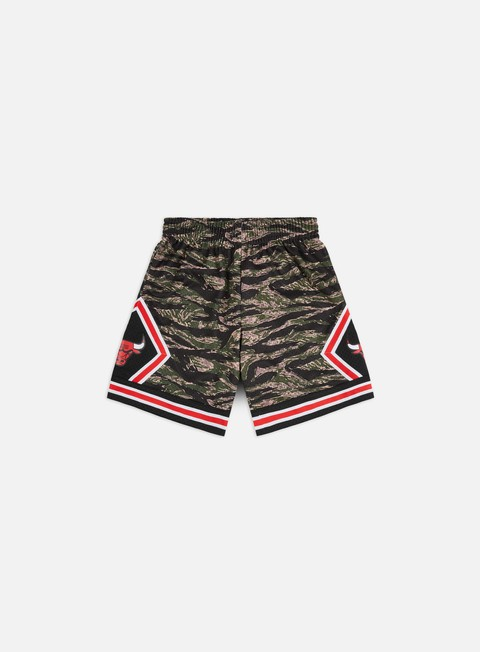 Mitchell & Ness Tiger Camo Swingman Shorts Chicago Bulls