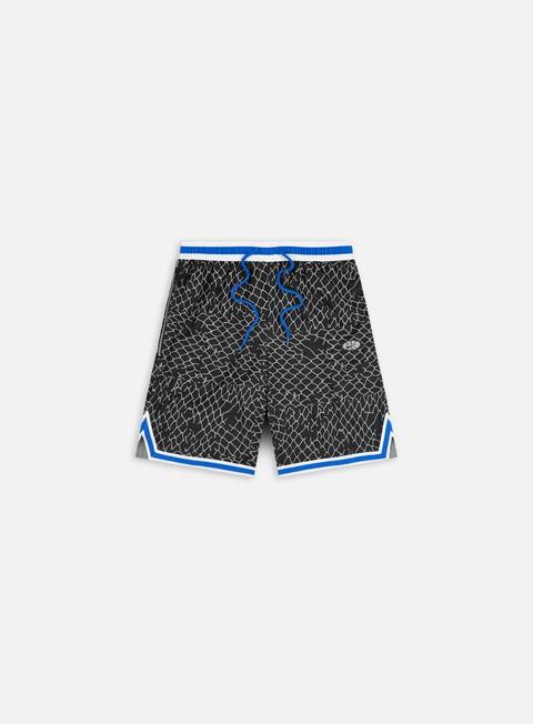 Pantaloncini Nike Seasonal DNA Shorts