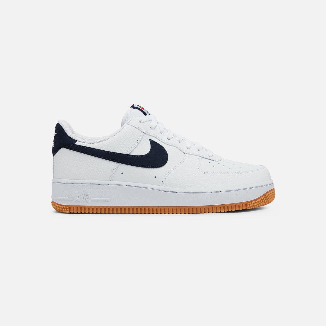 Nike Air Force 1 07 2, White University Red Gum Medium Brown ...