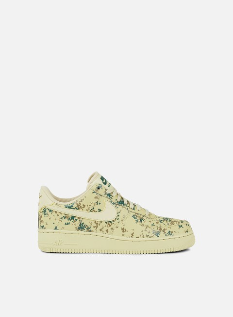 sneakers nike air force 1 07 lv8 team gold team gold golden beige