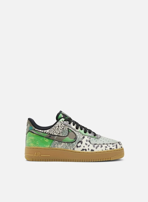 Low Sneakers Nike Air Force 1 07 QS
