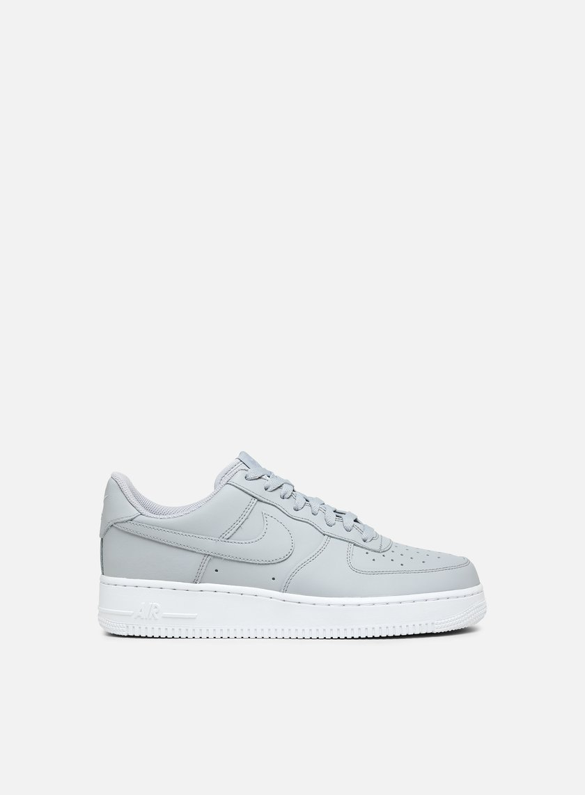 new product 3f883 62b74 Nike Air Force 1 07