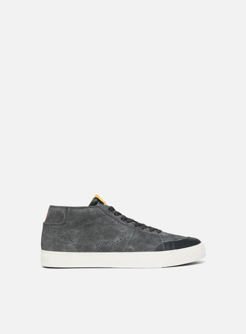 Sale Outlet Low Sneakers Nike SB Zoom Blazer Chukka XT