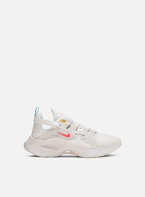 Low Sneakers Nike Signal DIMSIX