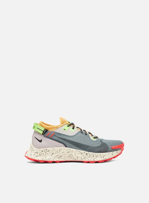 Outdoor Sneakers Nike WMNS Pegasus Trail 2 GTX