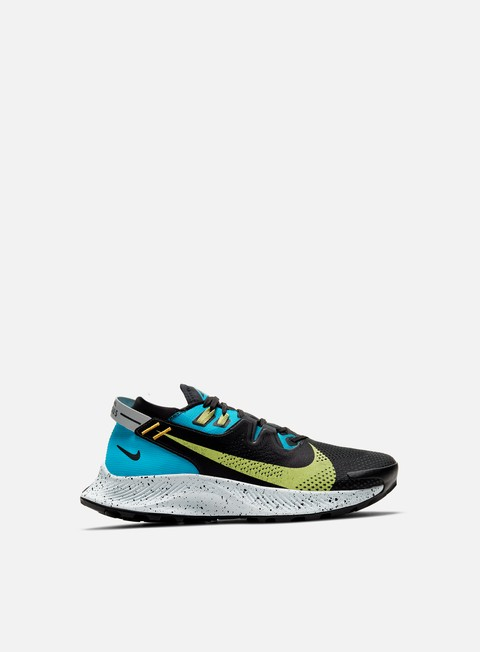 Outdoor Sneakers Nike WMNS Pegasus Trail 2
