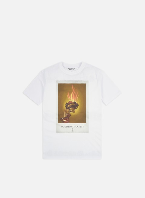 Sale Outlet Short Sleeve T-shirts Doomsday Holy Heart T-shirt