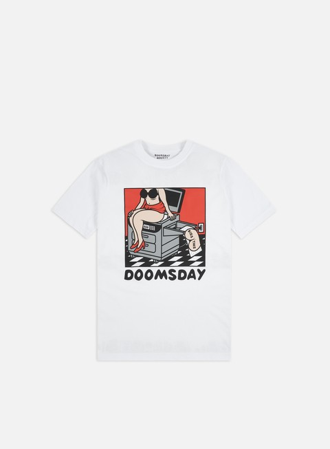 T-shirt a Manica Corta Doomsday Kiss This T-shirt