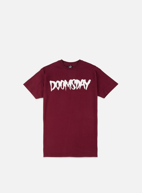 t shirt doomsday logo t shirt burgundy white