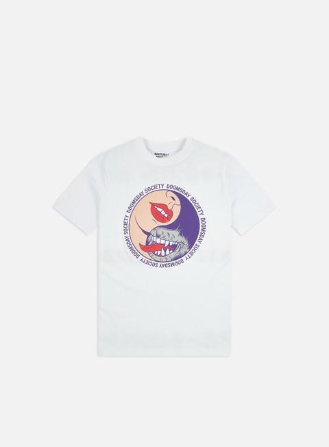 Outlet e Saldi T-shirt a Manica Corta Doomsday Love Tao T-shirt