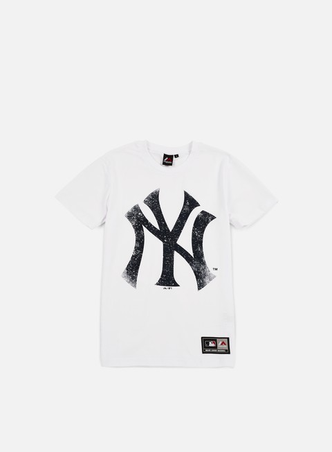 Outlet e Saldi T-shirt a Manica Corta Majestic Valen Large Logo T-shirt NY Yankees
