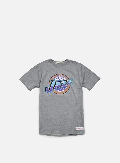 Outlet e Saldi T-shirt a manica corta Mitchell & Ness Team Logo Tailored T-shirt Utah Jazz