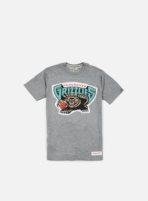 Outlet e Saldi T-shirt a manica corta Mitchell & Ness Team Logo Tailored T-shirt Vancouver Grizzlies