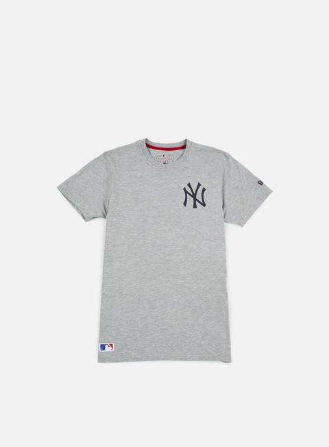 Outlet e Saldi T-shirt a Manica Corta New Era MLB Pop Bk Script T-shirt NY Yankees