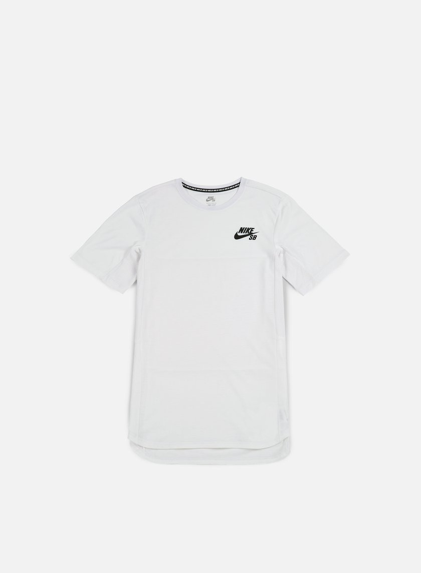 NIKE SB Skyline Cool T-shirt € 32 Short Sleeve T-shirts  b3b75c78686